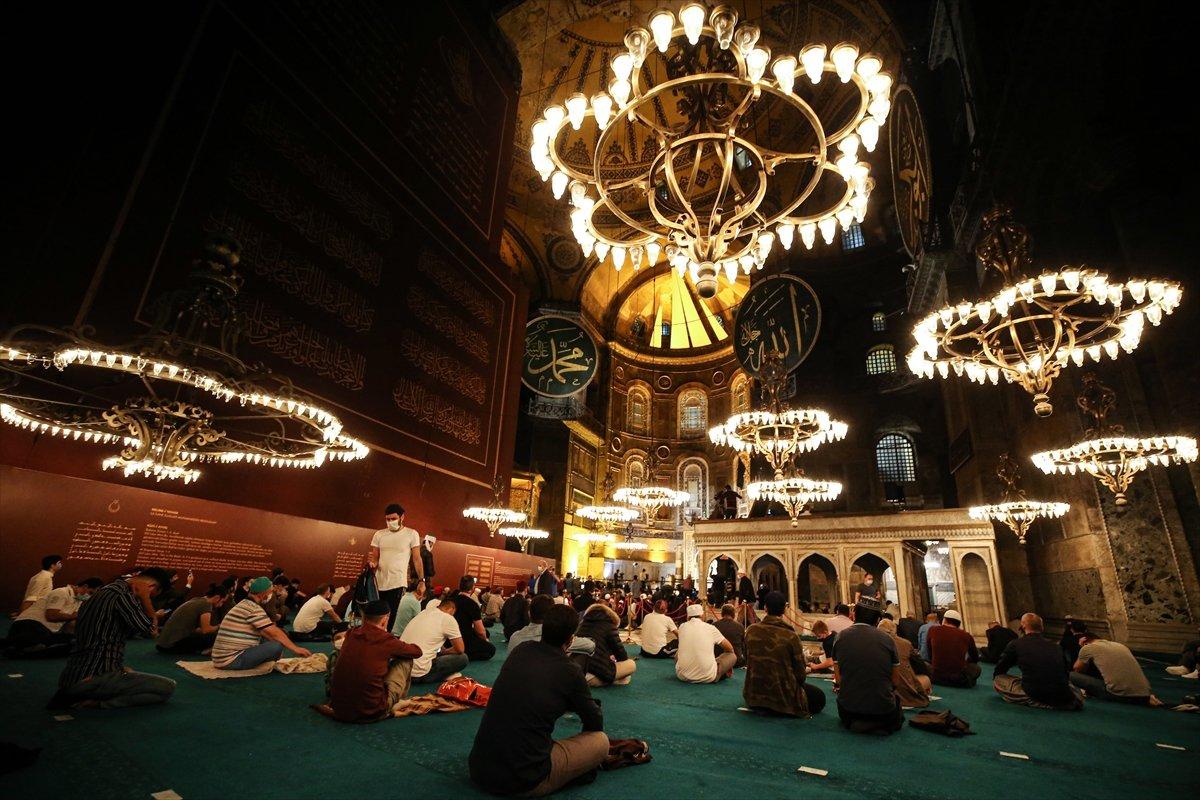 Ayasofya Camii nde 86 yıl sonra Mevlit Kandili  #6