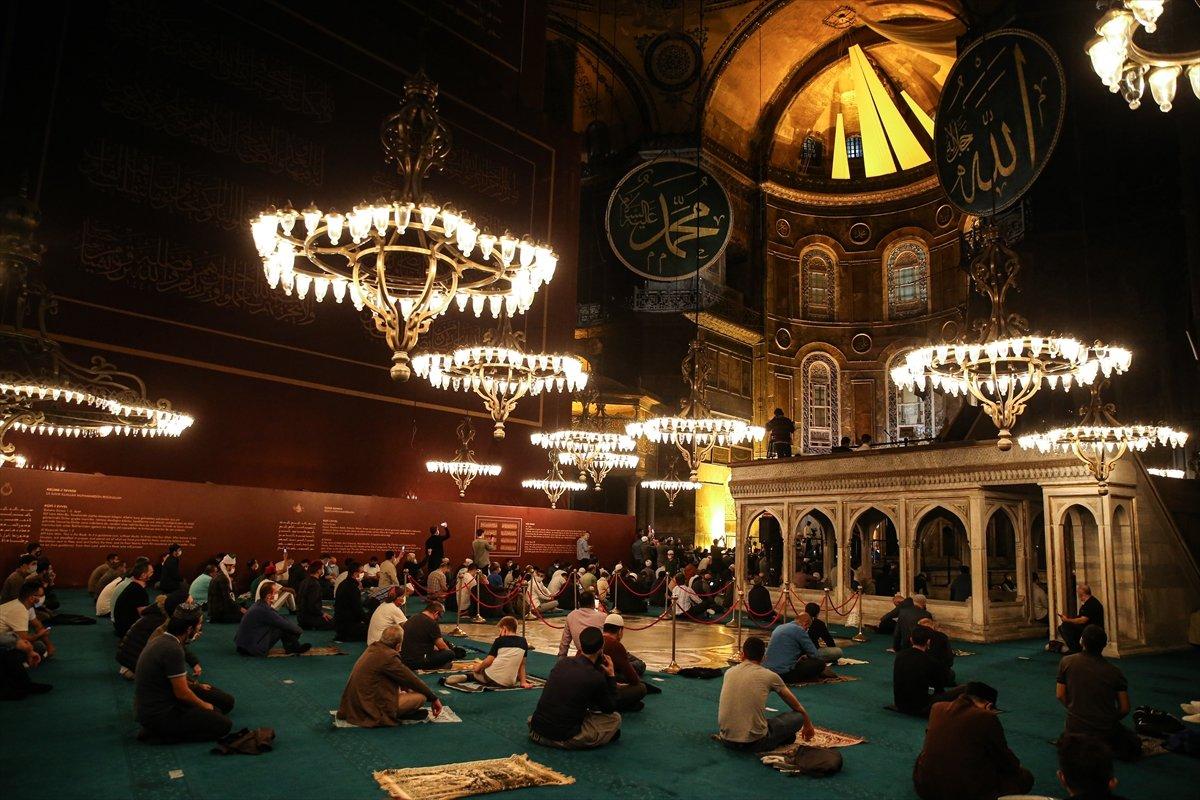 Ayasofya Camii nde 86 yıl sonra Mevlit Kandili  #5