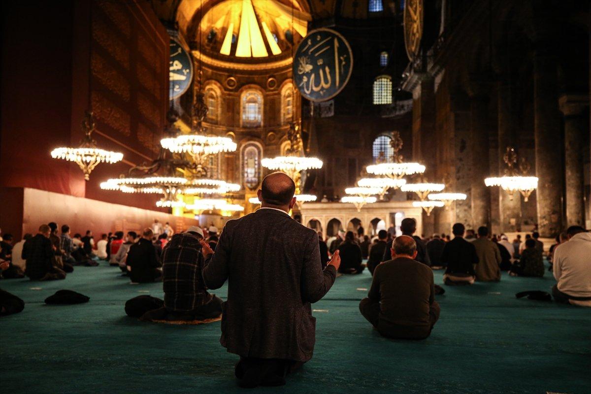 Ayasofya Camii nde 86 yıl sonra Mevlit Kandili  #2