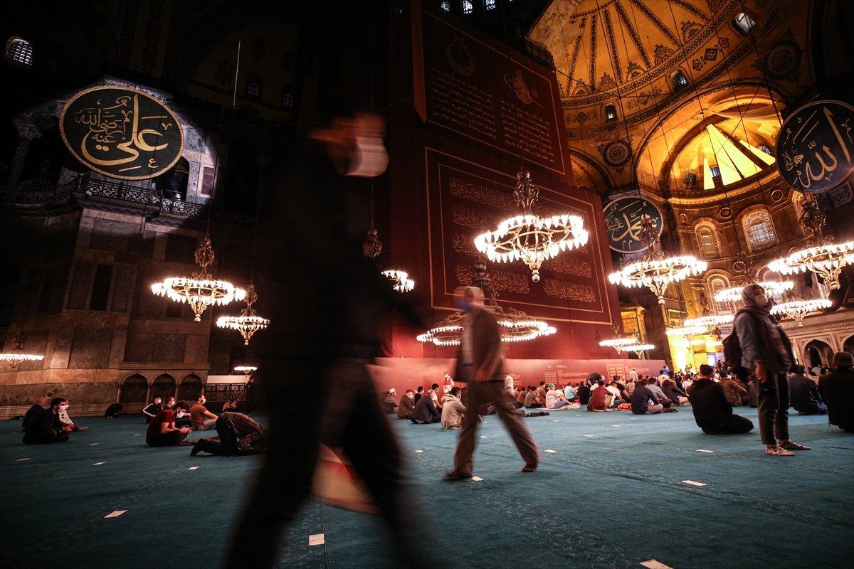 Ayasofya Camii nde 86 yıl sonra Mevlit Kandili  #8