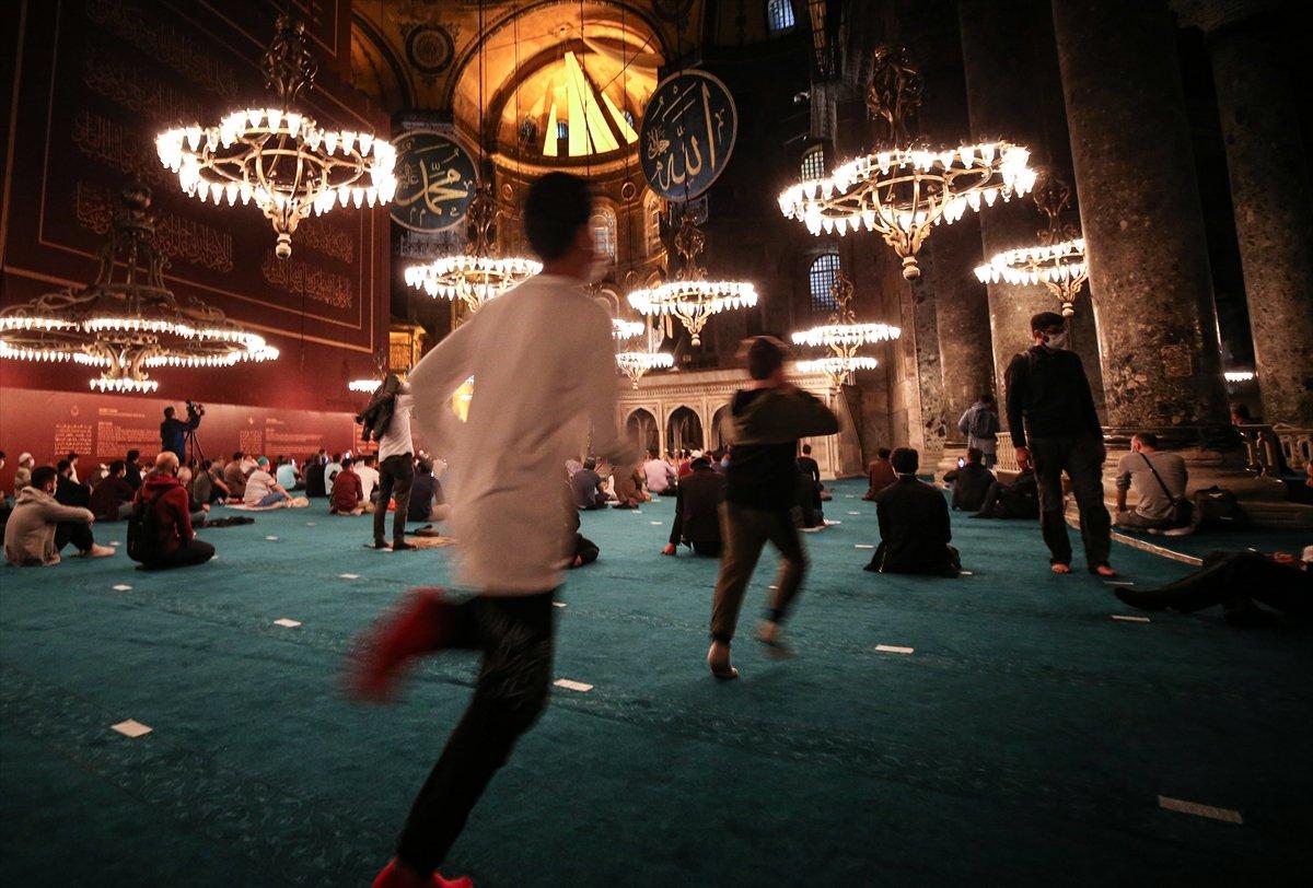 Ayasofya Camii nde 86 yıl sonra Mevlit Kandili  #10