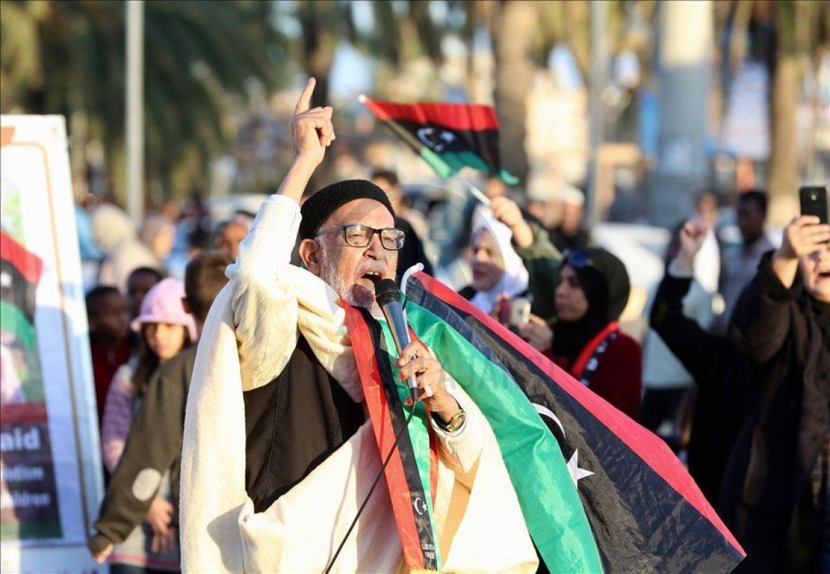 Libya dan Fransız mallarına boykot fetvası #1