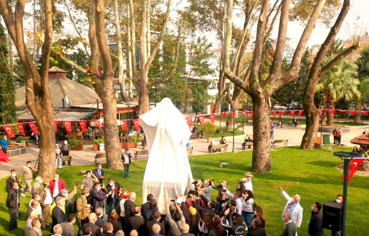Zonguldak'ın ilk milletvekili Tunalı Hilmi'nin heykeli açıldı #2