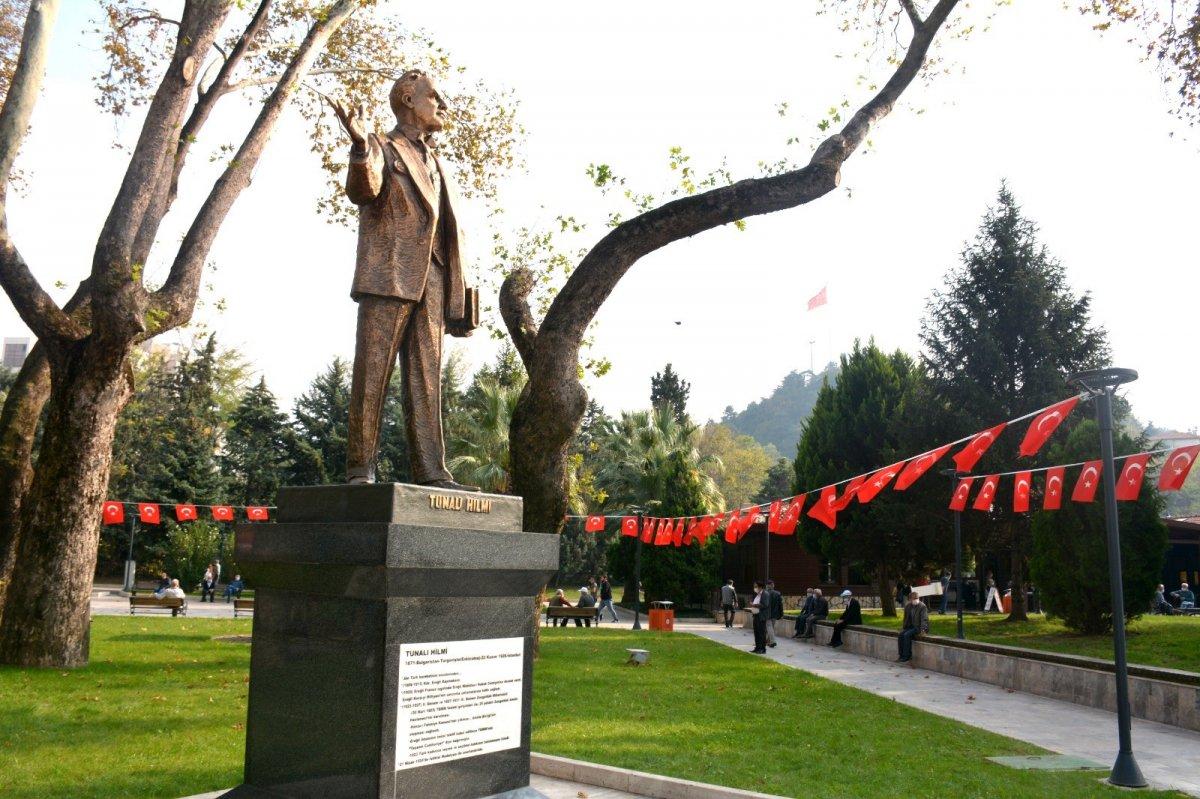Zonguldak'ın ilk milletvekili Tunalı Hilmi'nin heykeli açıldı #4