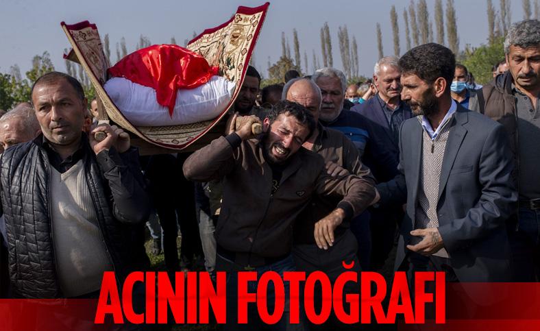 Ermenistan'ın saldırısında ölen Azerbaycanlı siviller toprağa verildi