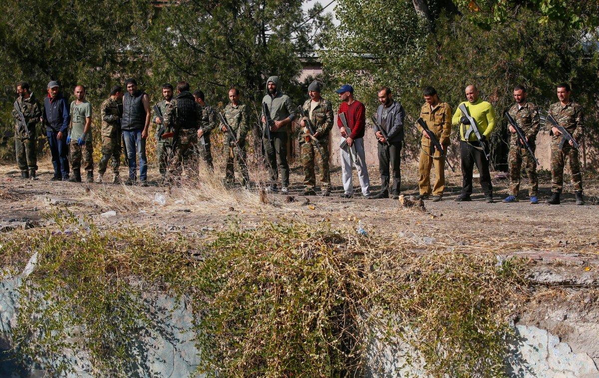 Ermenistan sivilleri cepheye hazırlıyor #5