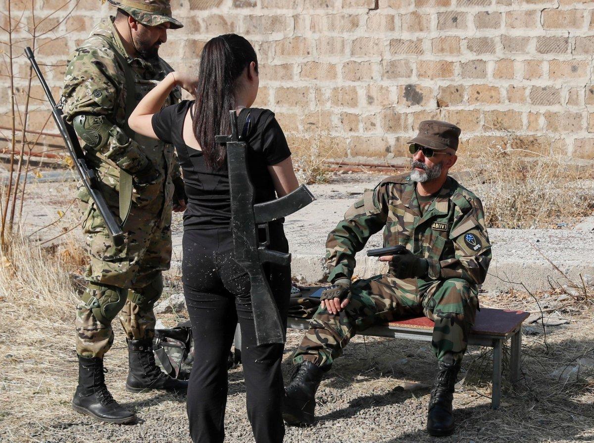 Ermenistan sivilleri cepheye hazırlıyor #10