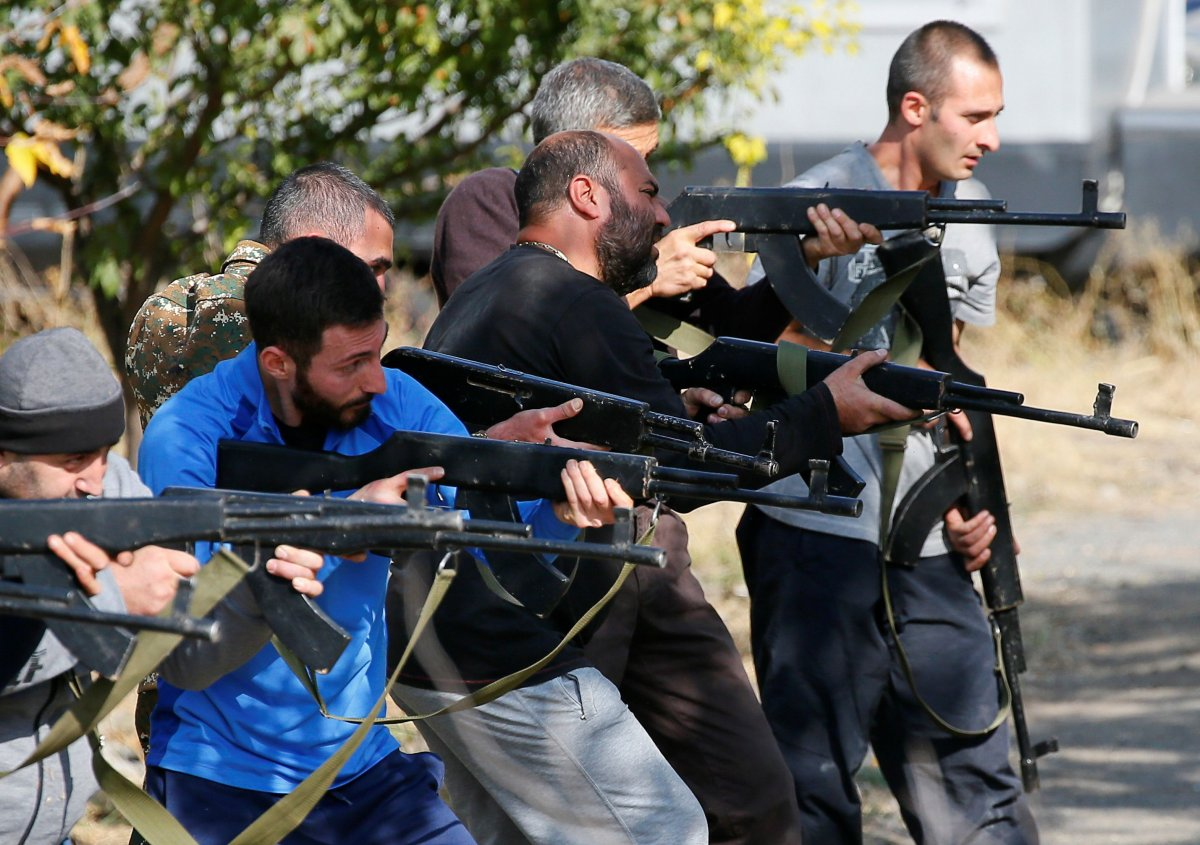 Ermenistan sivilleri cepheye hazırlıyor #4