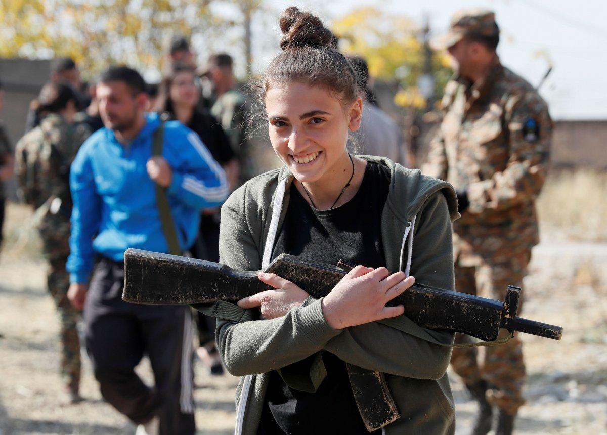 Ermenistan sivilleri cepheye hazırlıyor #11