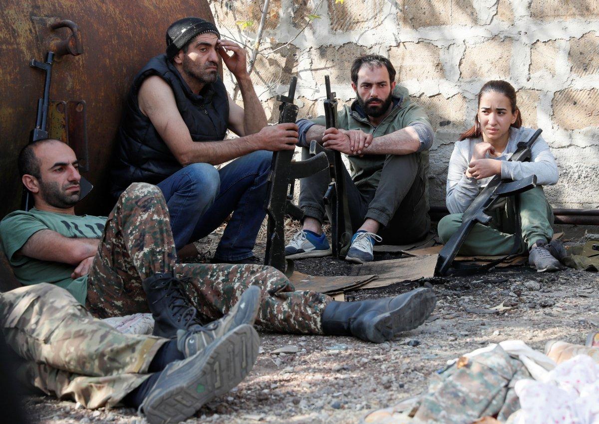Ermenistan sivilleri cepheye hazırlıyor #7