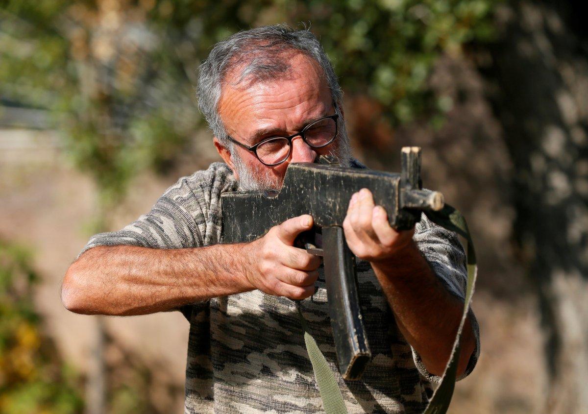 Ermenistan sivilleri cepheye hazırlıyor #8