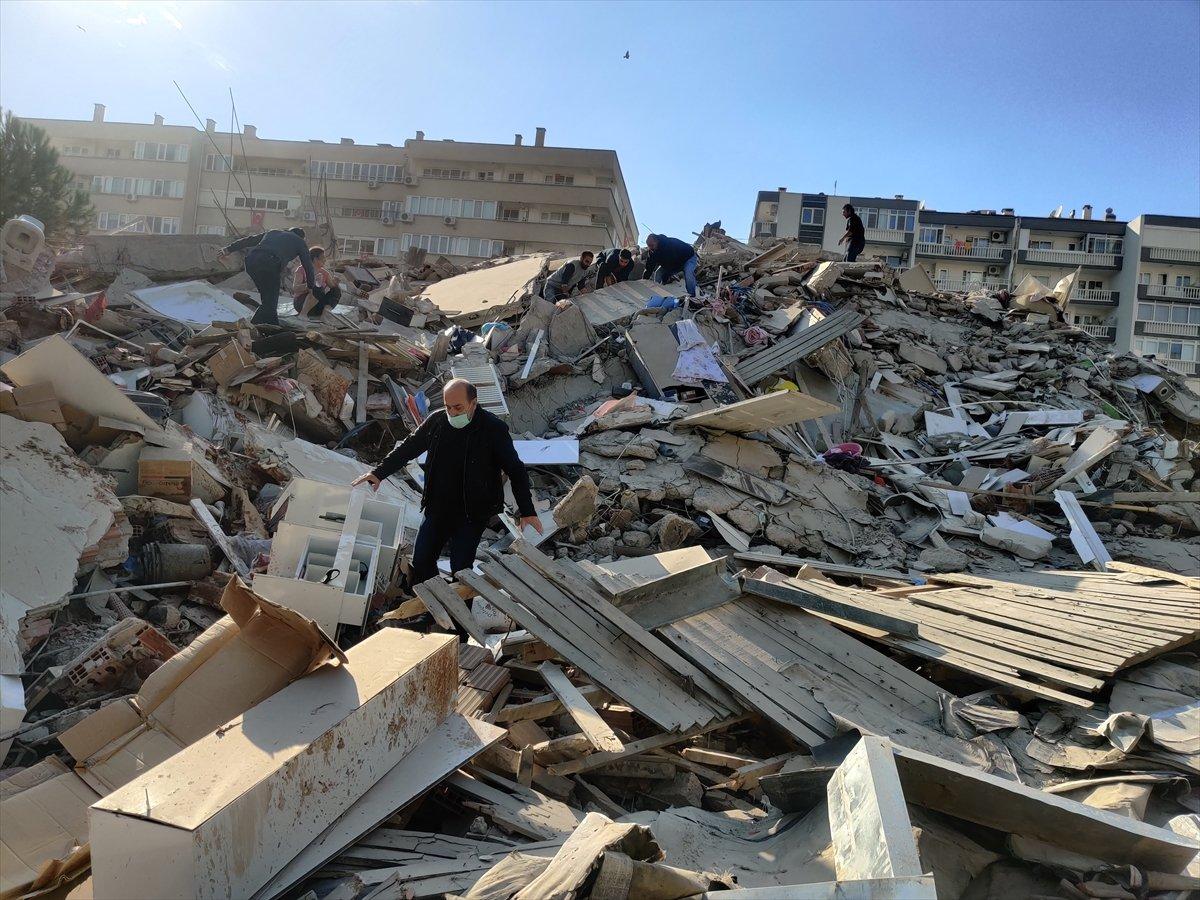 İzmirliler enkaz altında kalanların yardımına koştu #2
