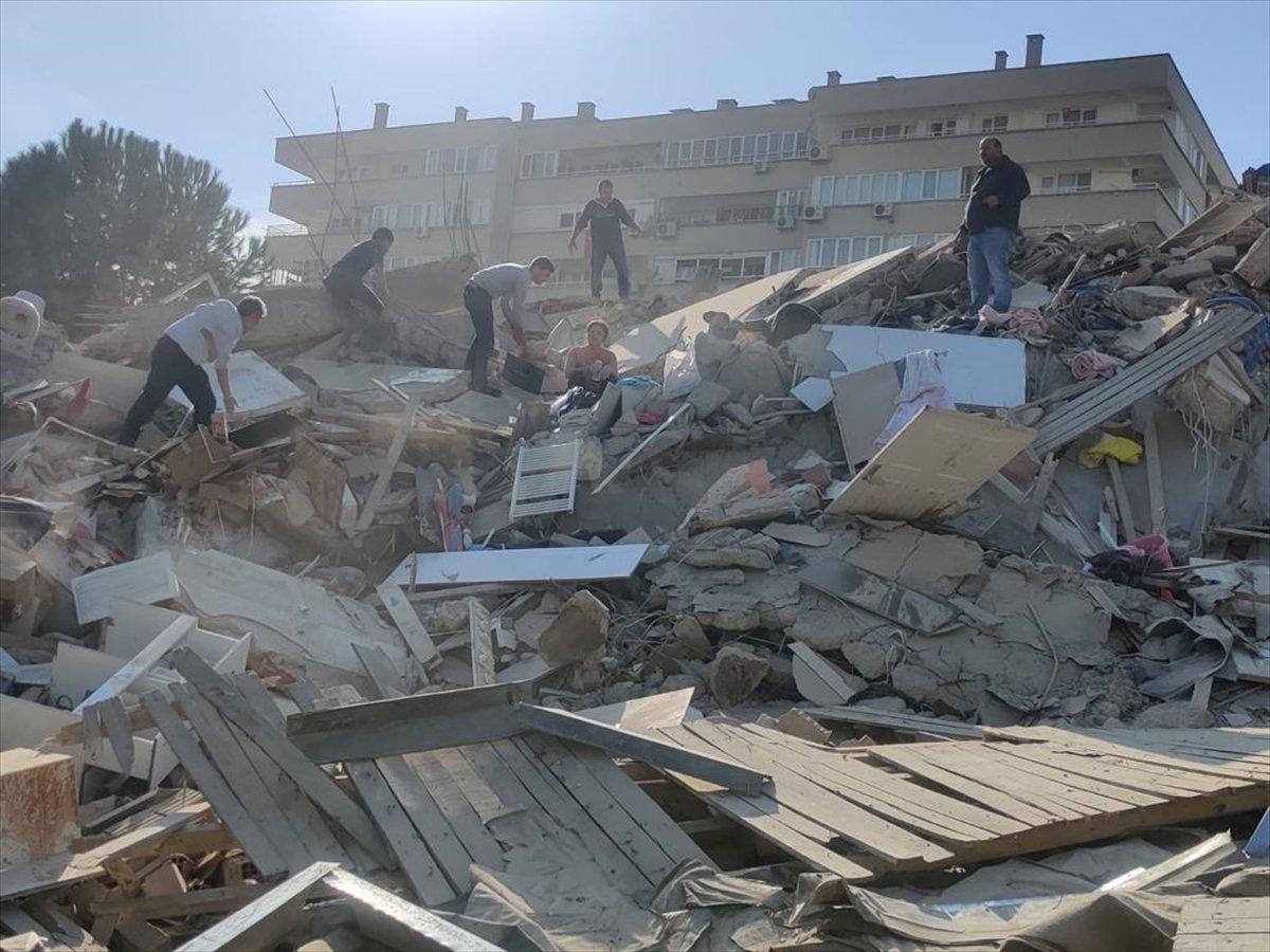 İzmirliler enkaz altında kalanların yardımına koştu #3