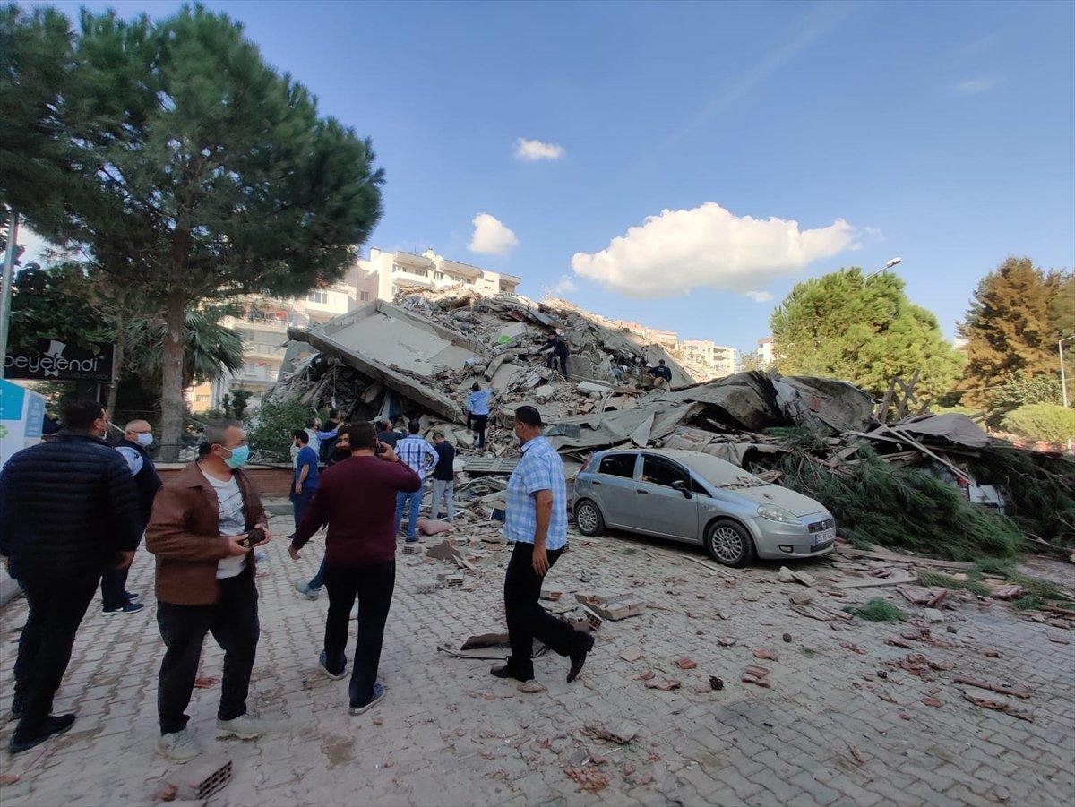 İzmirliler enkaz altında kalanların yardımına koştu #5
