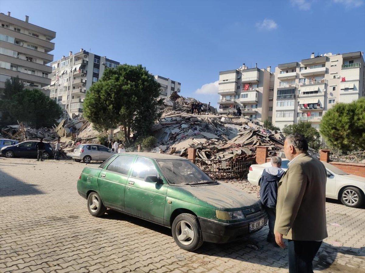 İzmirliler enkaz altında kalanların yardımına koştu #6