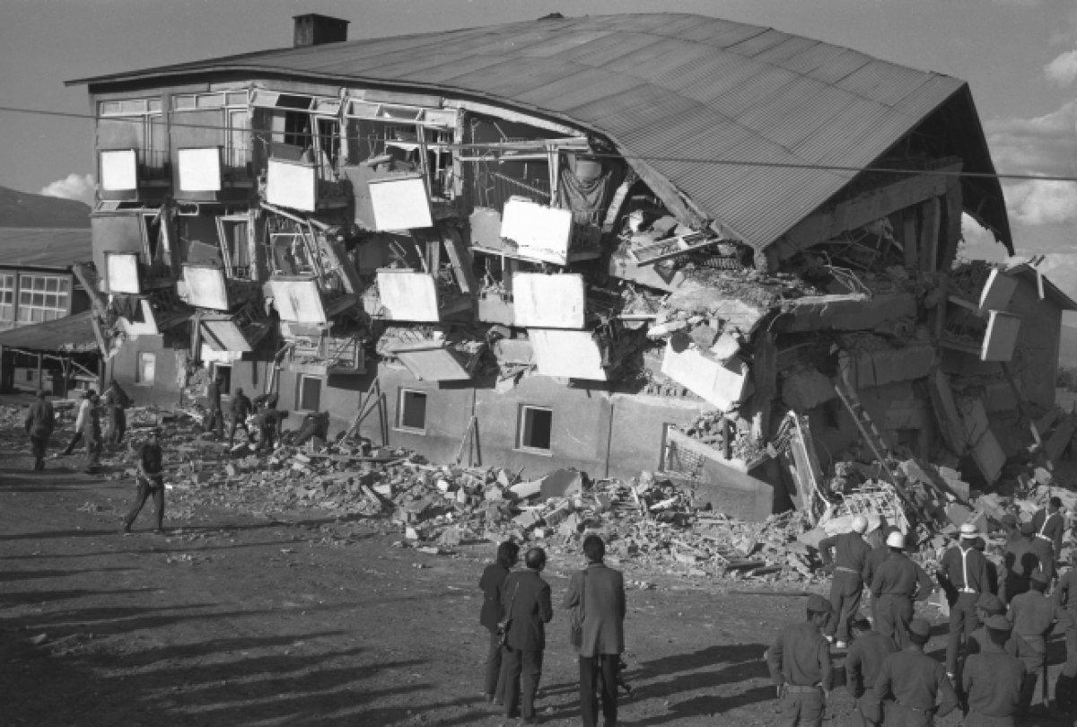 İzmir de 111 yılda, 6 ve üzeri büyüklüğünde 8 deprem meydana geldi #2