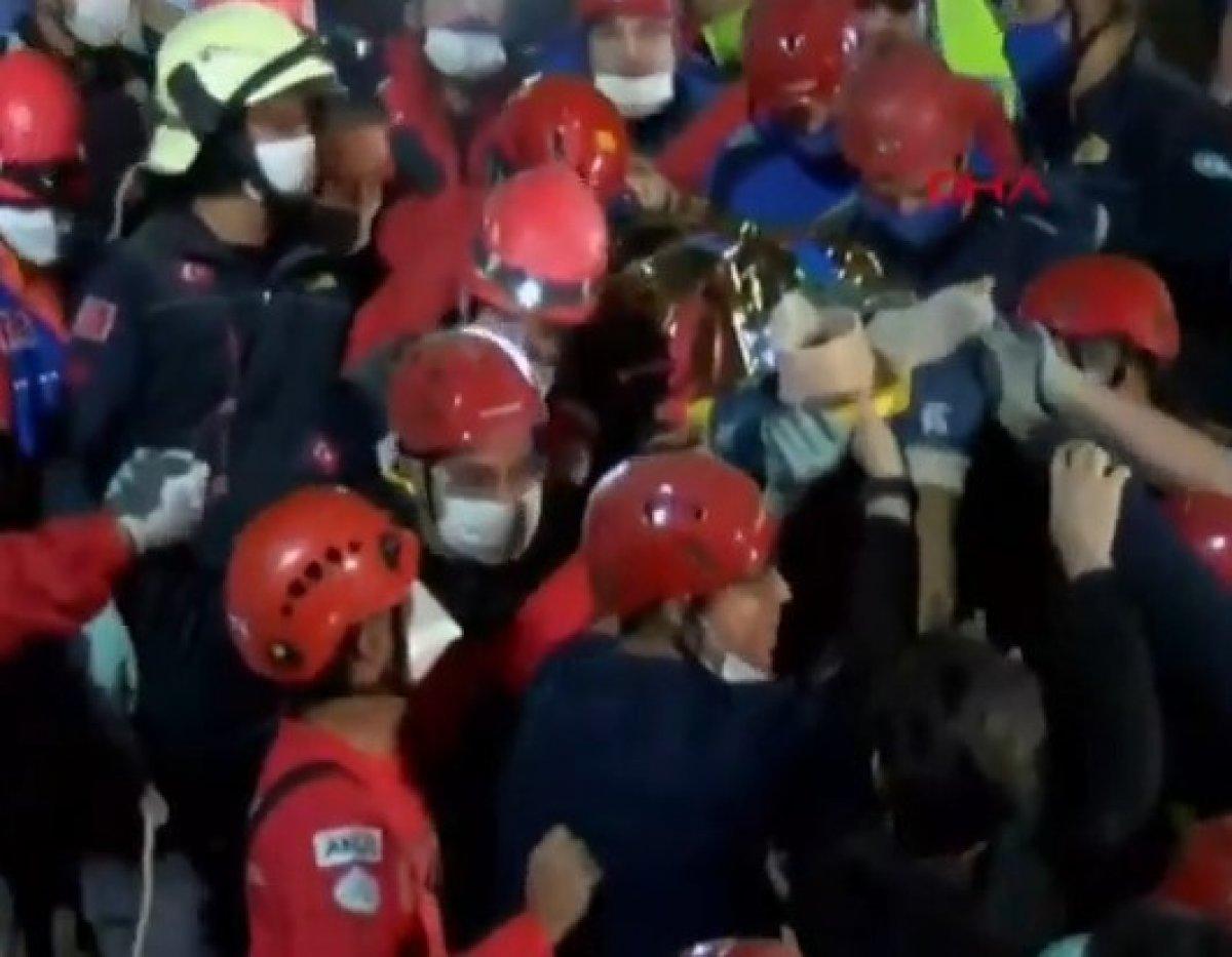 İzmir deki depremde enkaz altında kalan Buse kurtarıldı #2
