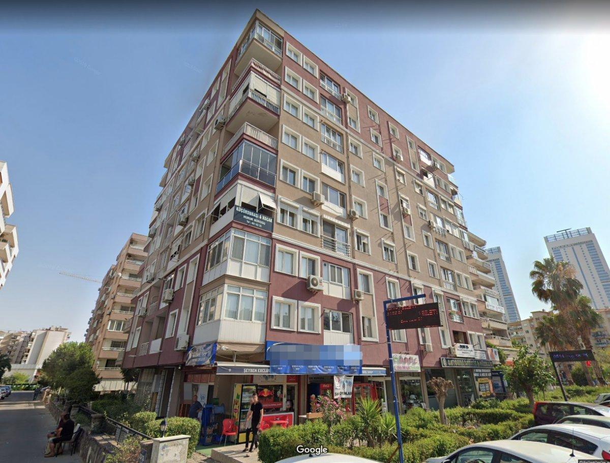 İzmir deki depremde yıkılan binalara ilişkin 9 kişiye gözaltı #1