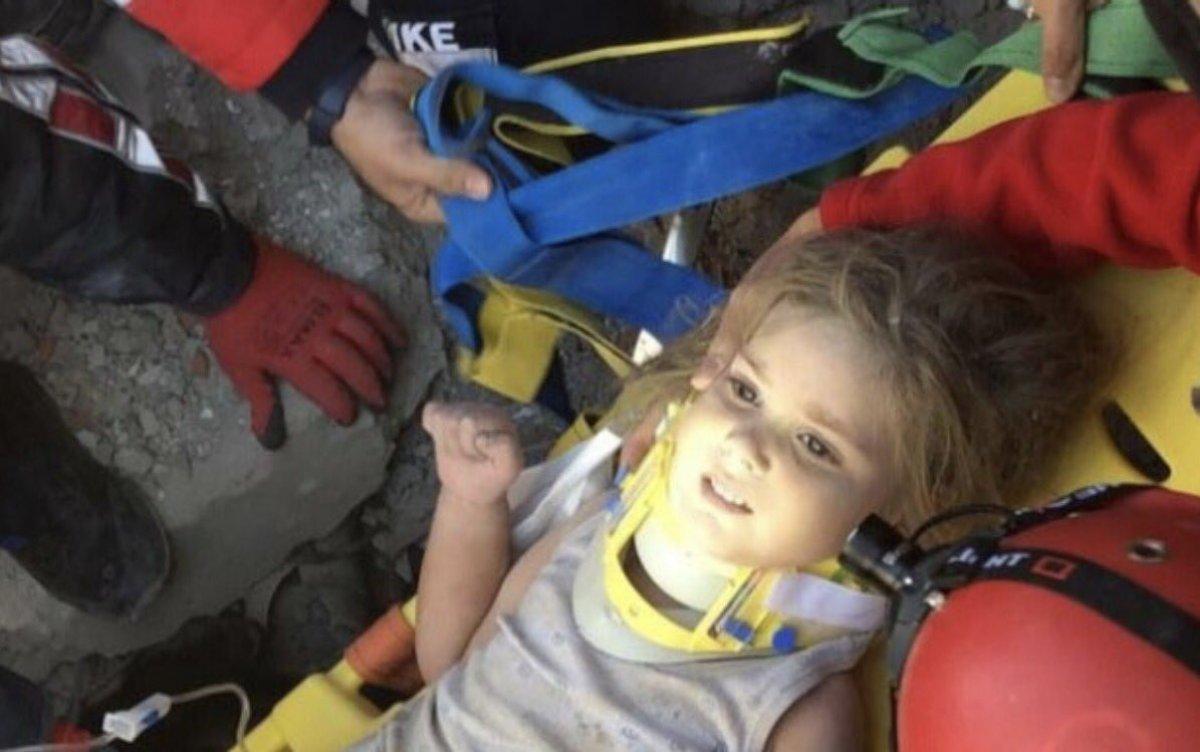 İzmir depreminde enkazdan kurtarılan mucize çocuklar #6