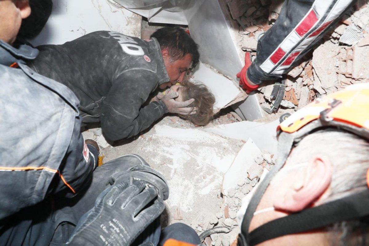 Tunç Soyer: Rıza Bey Apartmanı ndan bir bebeğe canlı ulaşıldı #1