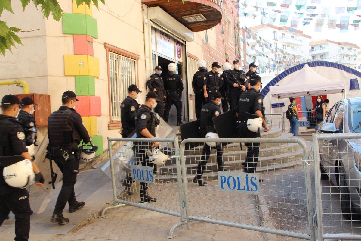 HDP binasından PKK'nın kaçırdığı çocukların bilgileri olan ajanda çıktı  #1