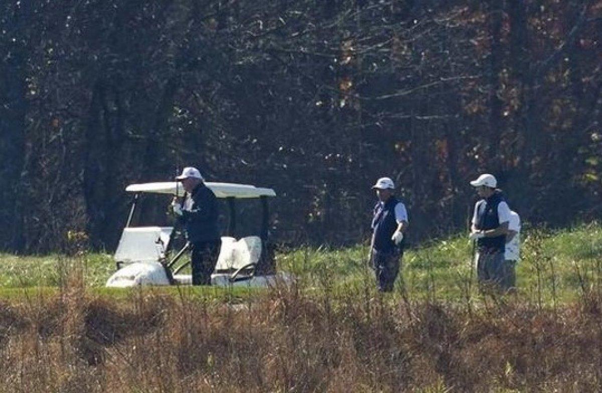 Biden zaferini ilan ederken Trump golf oynuyordu #6