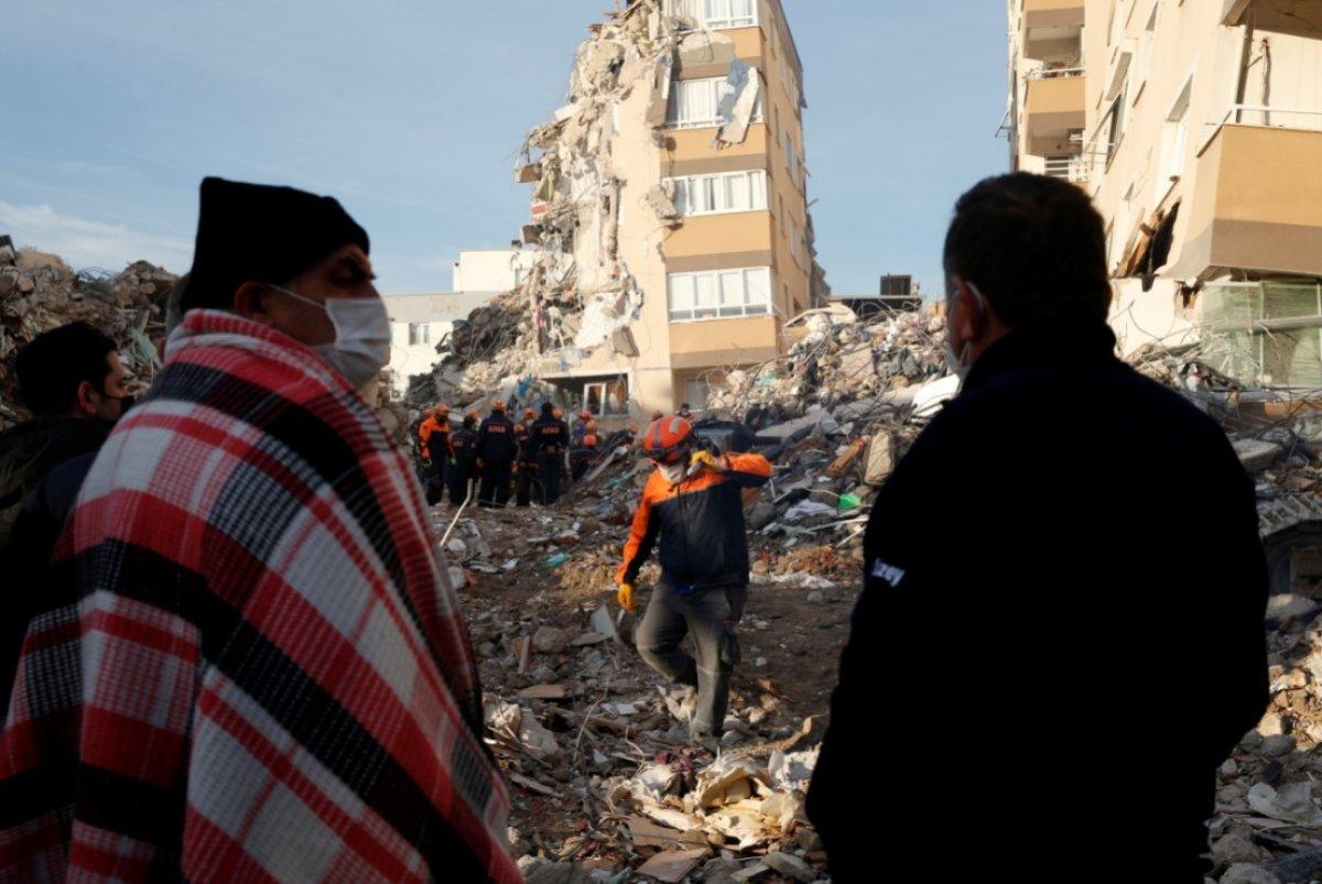 İzmir depreminde hayatını kaybedenlerin sayısı 115 e yükseldi #2