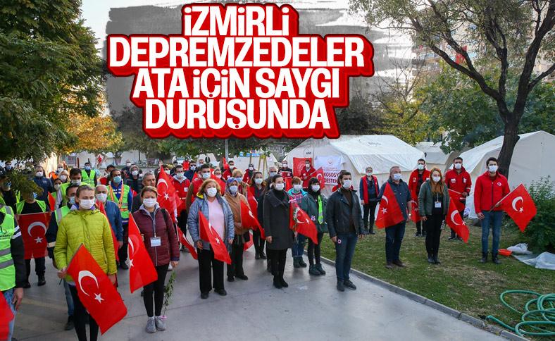 İzmirli depremzedeler, Mustafa Kemal Atatürk'ü andı