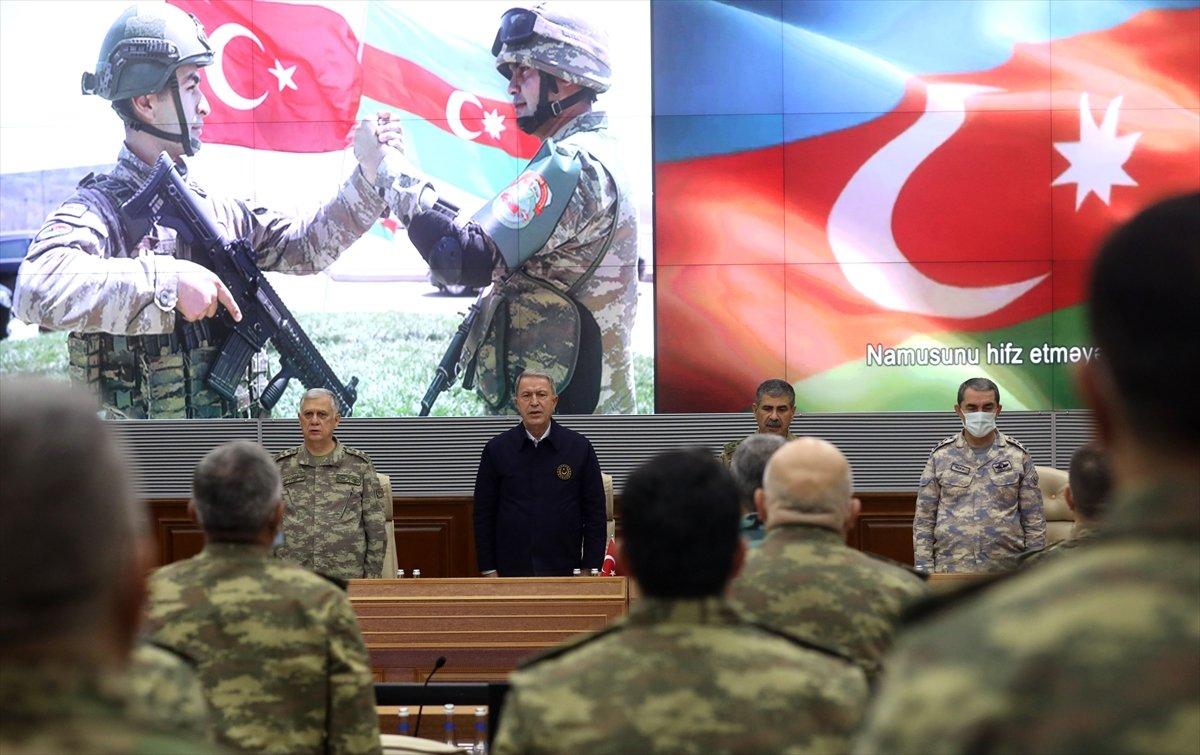 Hulusi Akar, Azerbaycan Savunma Bakanlığı nda törene katıldı #1
