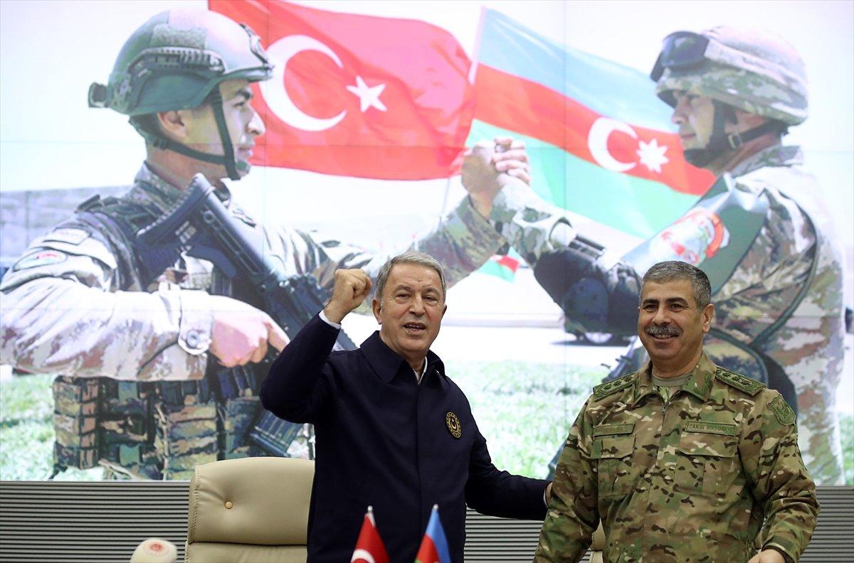 Hulusi Akar, Azerbaycan Savunma Bakanlığı nda törene katıldı #3