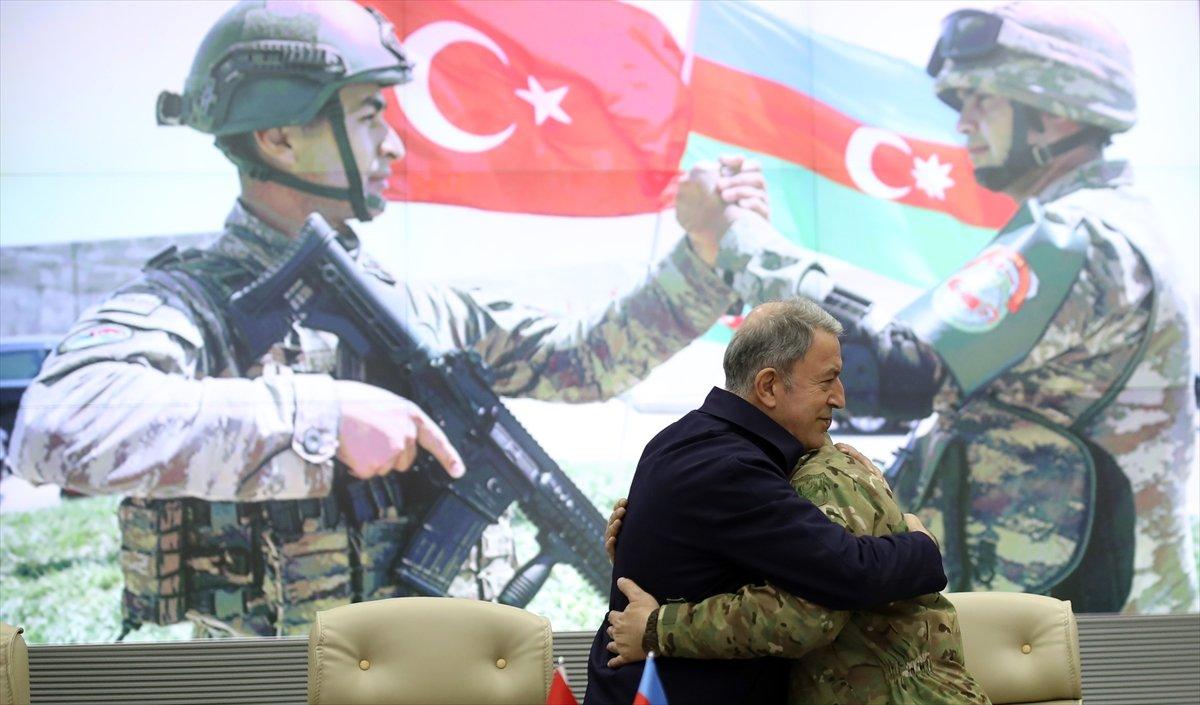 Hulusi Akar, Azerbaycan Savunma Bakanlığı nda törene katıldı #4