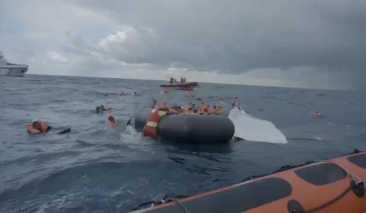 Libya da mülteci teknesi battı: 74 ölü  #2
