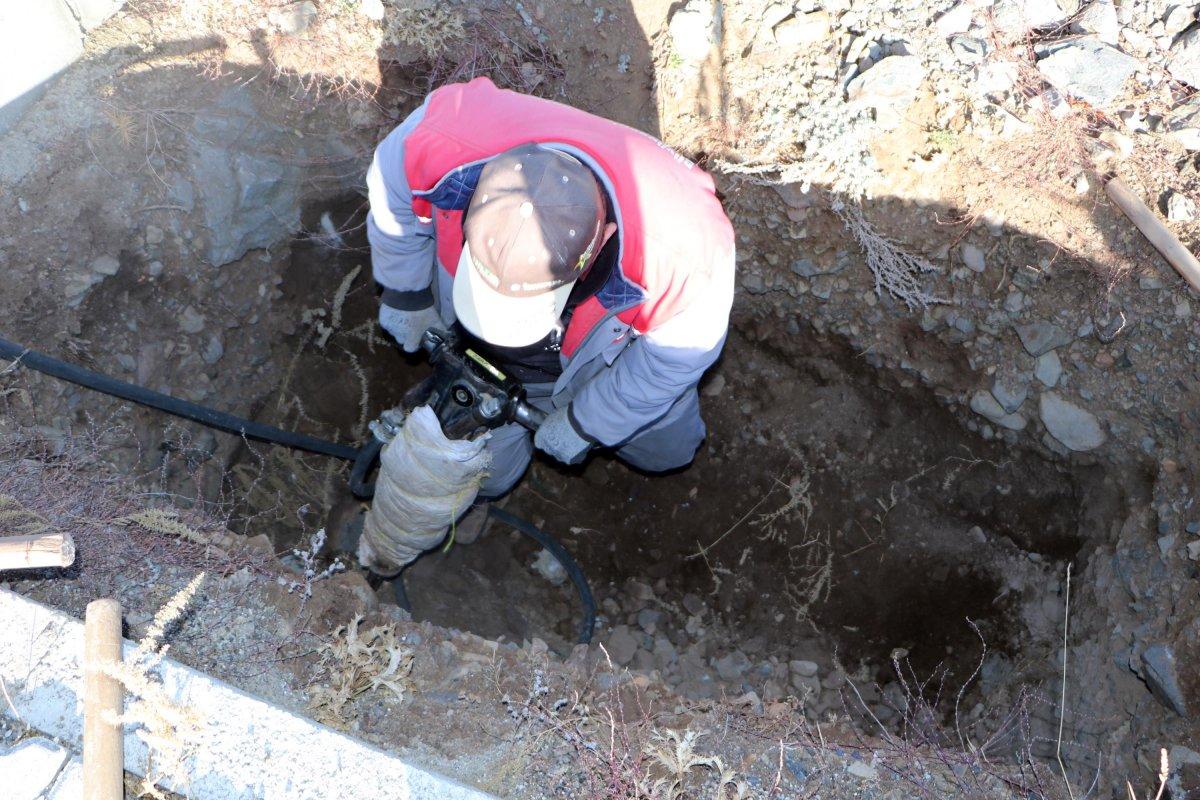 Erzurum da toprak donması nedeniyle kış öncesi 800 mezar kazılıyor #2