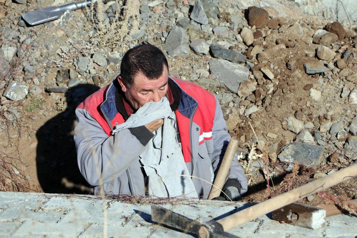 Erzurum da toprak donması nedeniyle kış öncesi 800 mezar kazılıyor #1