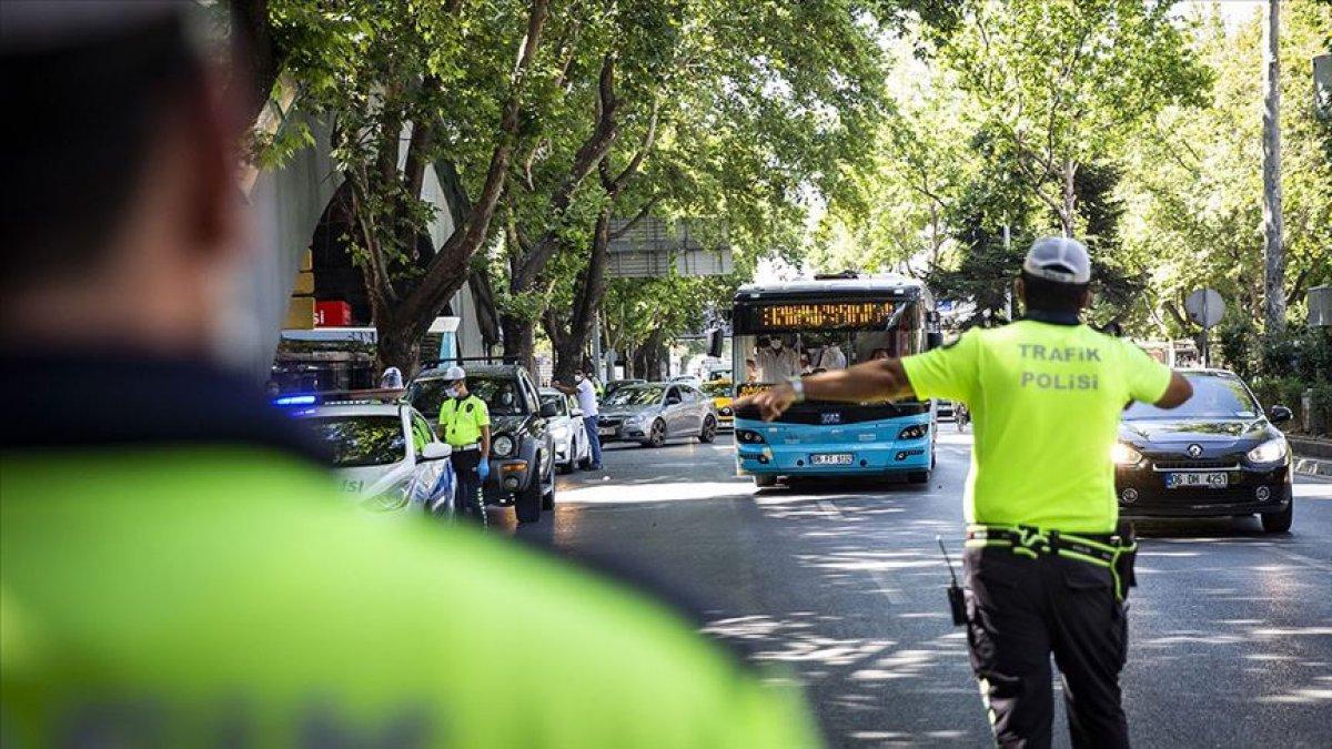 Koronavirüs denetimlerinde 991 araç trafikten, 107 iş yeri faaliyetten men edildi #2
