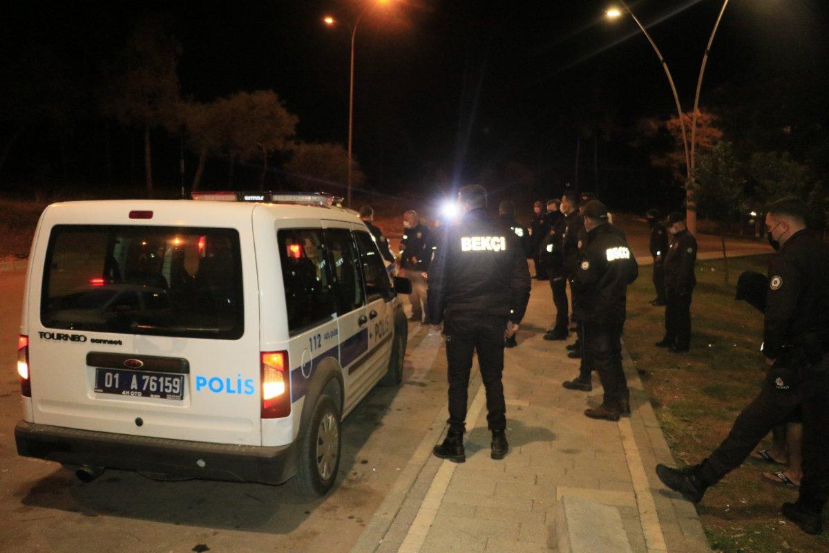 Adana da maske takmayan iki kişi polise saldırdı #2
