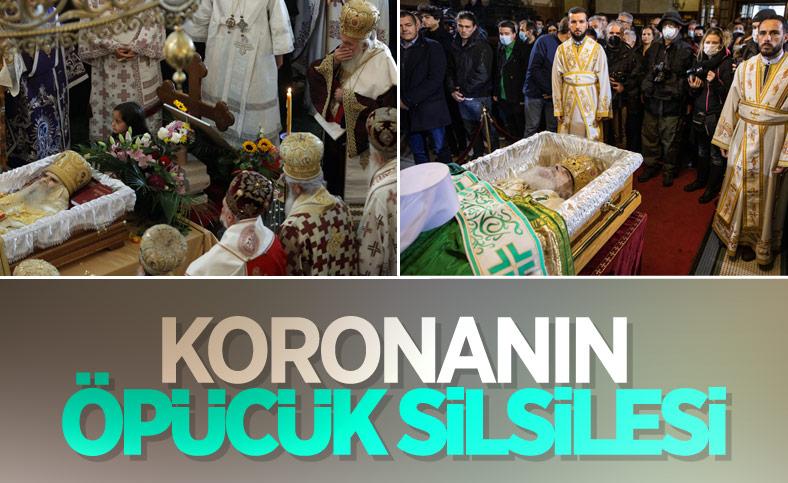 Koronadan ölen Sırp Ortodoks Kilisesi Patriği İrinej'in naaşını öptüler