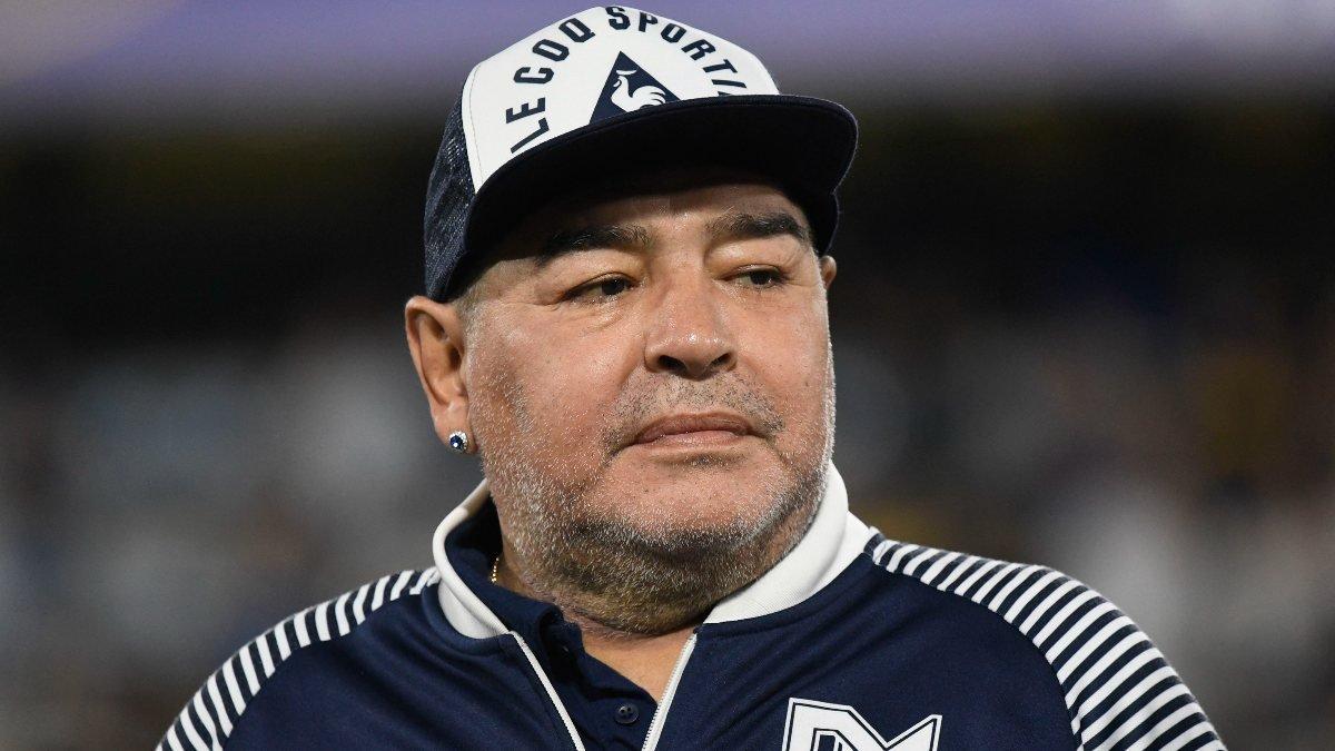 Diego Armando Maradona yaşamını yitirdi  #1
