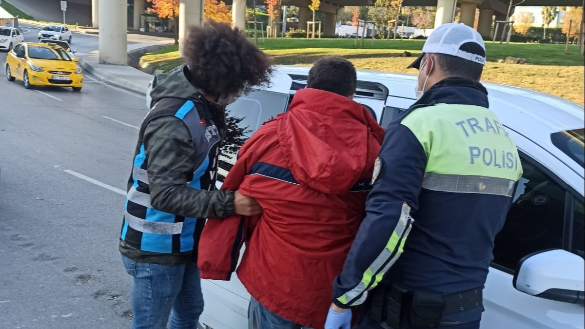 İstanbul daki motosikletli sapık yakalandı #1