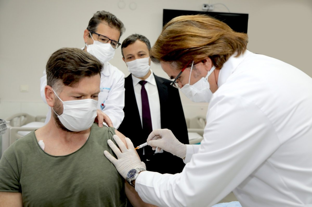 Yerli korona aşısı denemelerine katılan gönüllülerde yan etki görülmedi #2