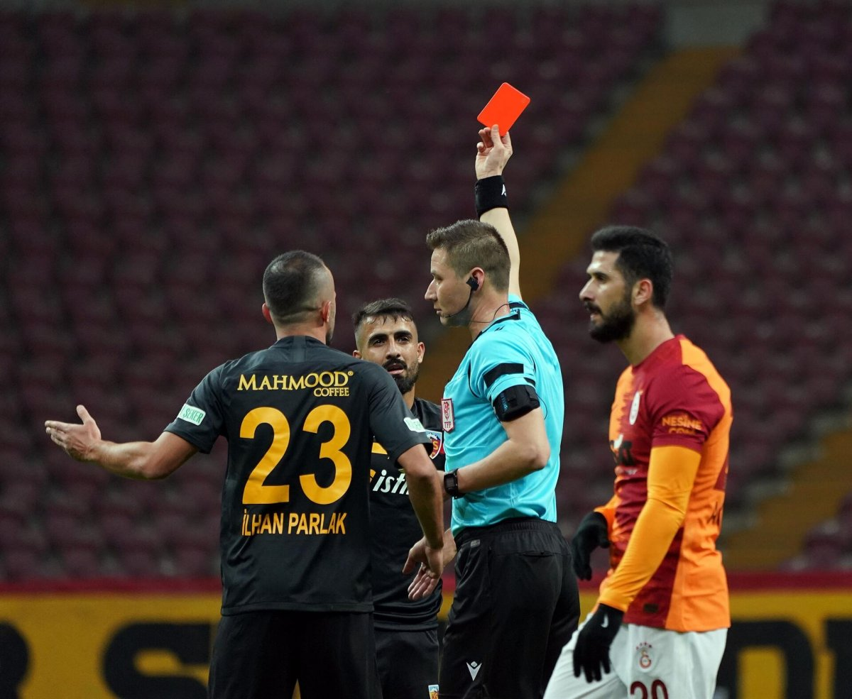 Kayserispor dan Muğdat Çelik e ceza #1