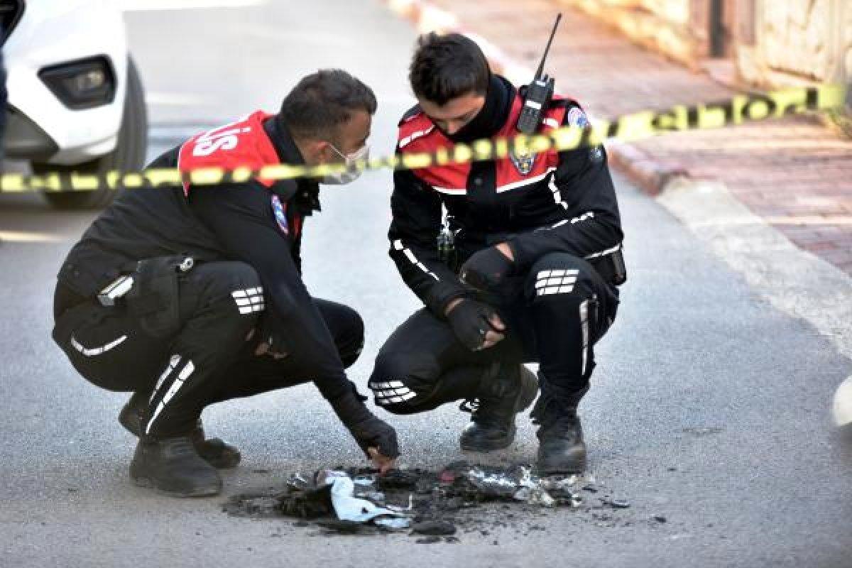 Antalya da yunus polisi üniforması yakıldı #1