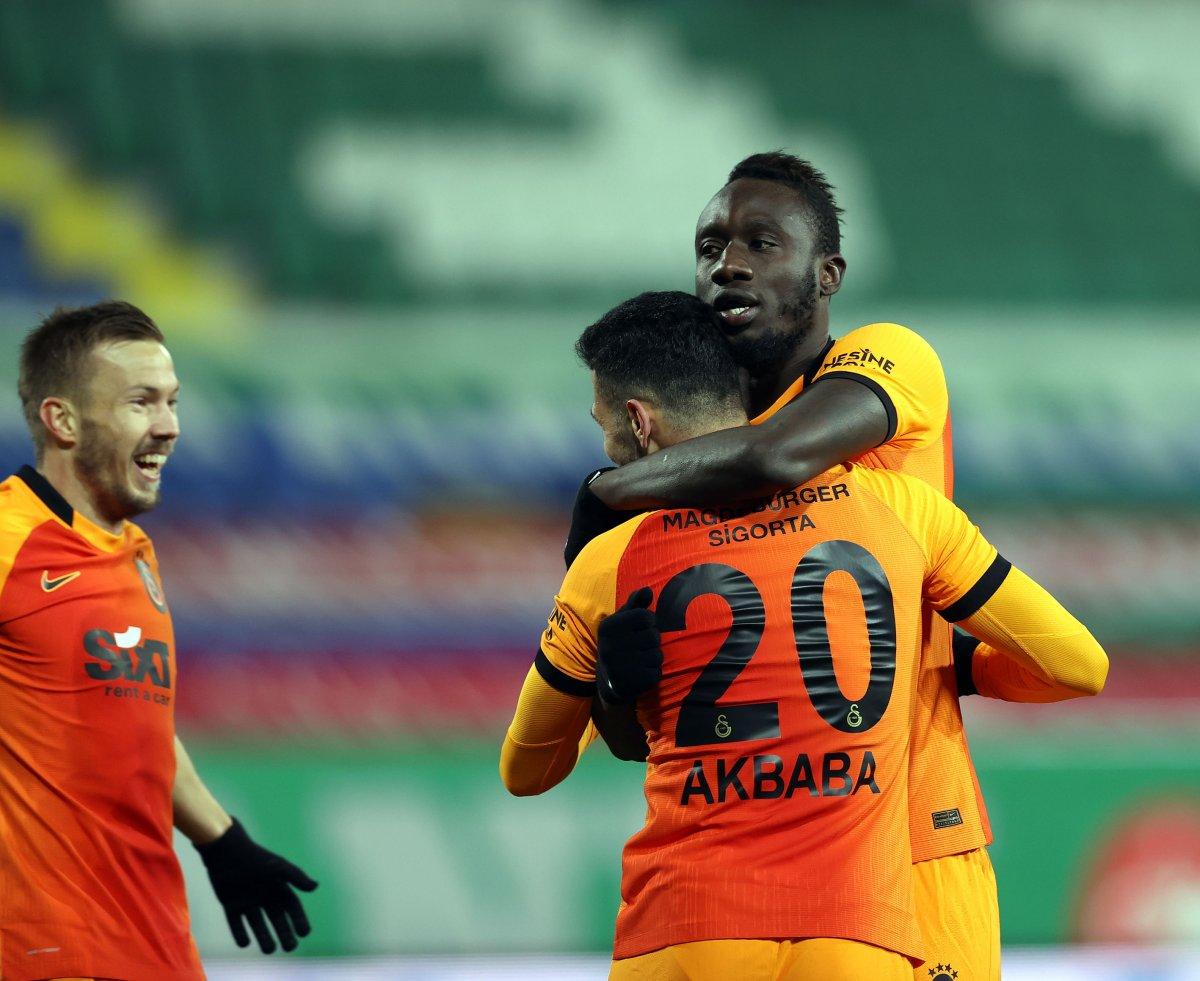 Diagne hat-trick yaptı Galatasaray, Rizespor u farklı yendi #1