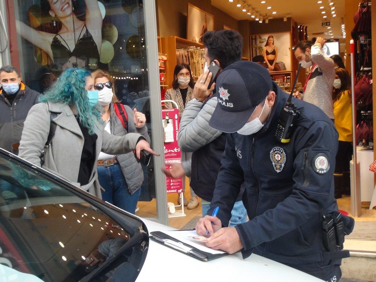 İstanbul da maske cezasından kaçan kadından polislere: Siz şov yapıyorsunuz #1