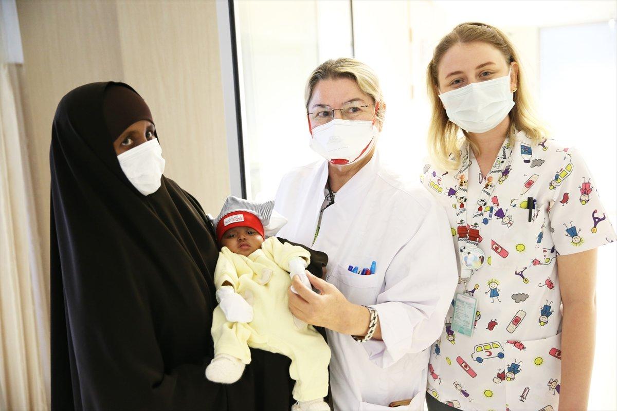 4 bacaklı doğan Somalili bebek şifayı Türkiye de buldu #1