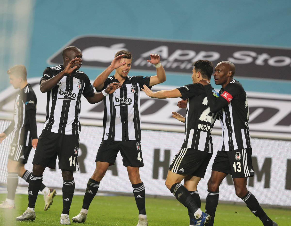 10 kişi kalan Beşiktaş, Fenerbahçe yi yendi #2