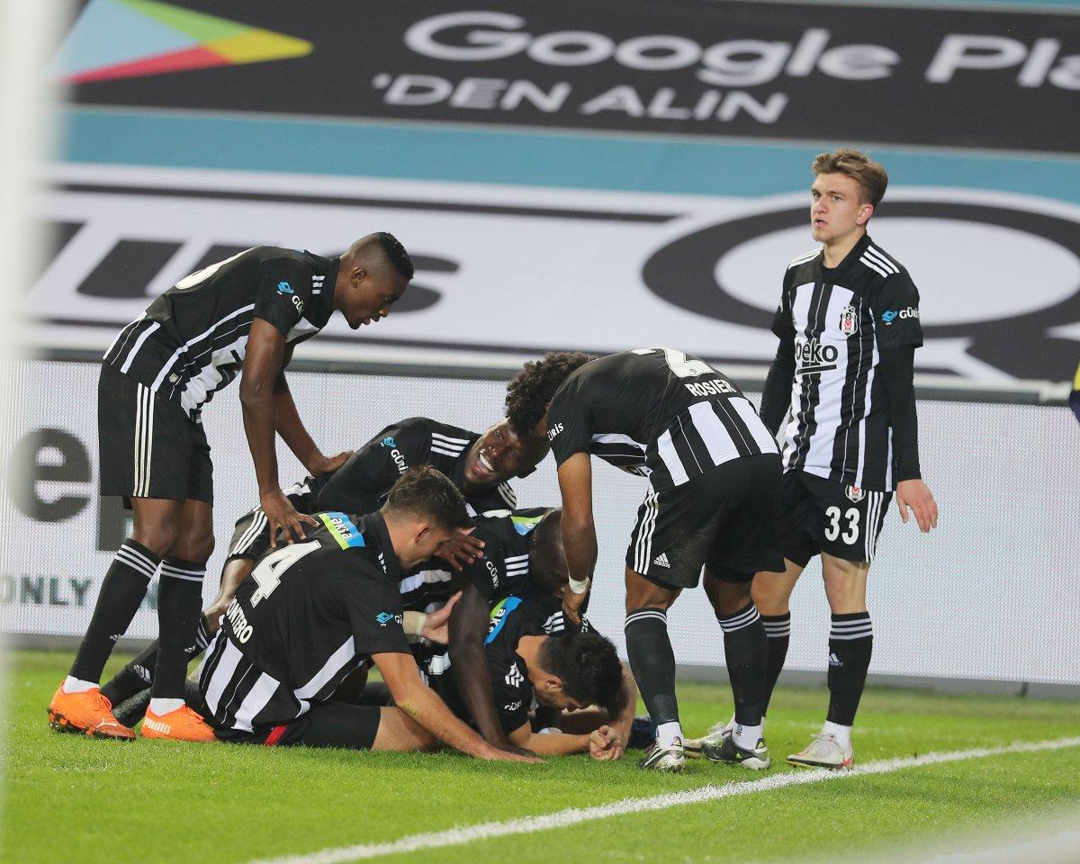 10 kişi kalan Beşiktaş, Fenerbahçe yi yendi #1