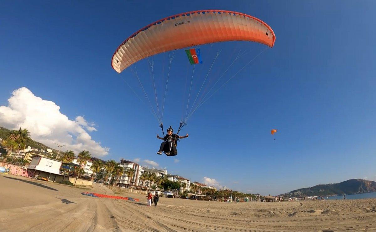 Antalya da en genç akrobasi pilotu destek bekliyor #6