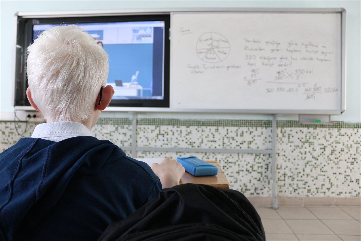 Konya da Albinizm hastası Hüseyin Ali, azmiyle kendisi gibi çocuklara cesaret veriyor #9