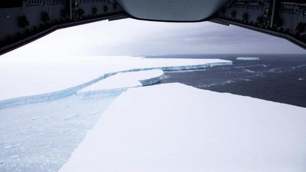 Dünyanın en büyük buz dağındaki erime gözlendi #3